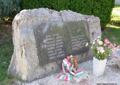 Cák világháborús emlékmű 2007.08.25. küldő-HunMi (1)