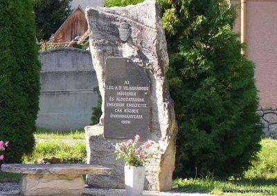Cák világháborús emlékmű 2007.08.25. küldő-HunMi (2)