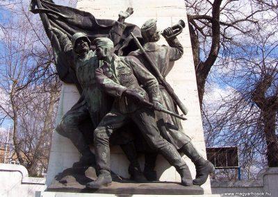 Cegléd I. világháborús emlékmű 2009.03.22. küldő-miki (3)
