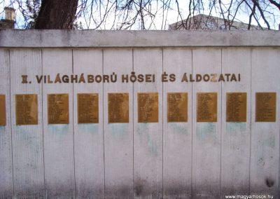 Cegléd II. világháborús emlékmű 2009.03.22.küldő-miki (11)