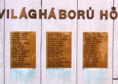 Cegléd II. világháborús emlékmű 2009.03.22.küldő-miki (12)