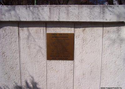 Cegléd II. világháborús emlékmű 2009.03.22.küldő-miki (9)