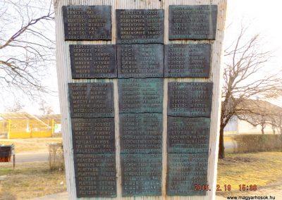 Ceglédbercel II. világháborús emlékmű 2015.02.19. küldő-kalyhas (9)