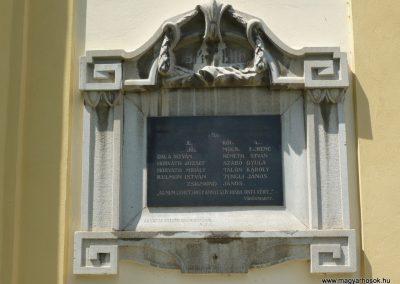Celldömölk-Izsákfa világháborús emléktáblák 2009.07.01.küldő-Sümec (1)