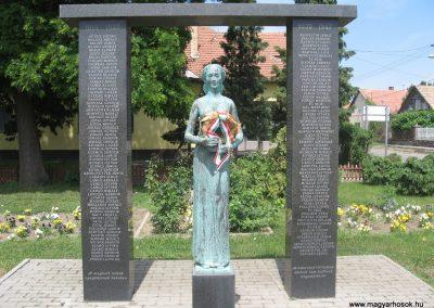 Csány világháborús emlékmű 2008.05.26.küldő-kalyhas (1)