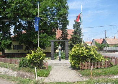 Csány világháborús emlékmű 2008.05.26.küldő-kalyhas