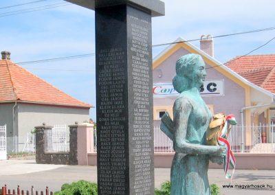 Csány világháborús emlékmű 2008.05.26.küldő-kalyhas (5)
