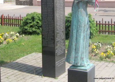 Csány világháborús emlékmű 2008.05.26.küldő-kalyhas (6)