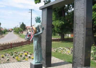 Csány világháborús emlékmű 2008.05.26.küldő-kalyhas (7)
