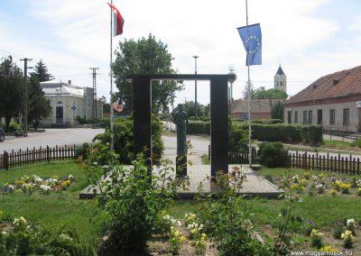 Csány világháborús emlékmű 2008.05.26.küldő-kalyhas (9)