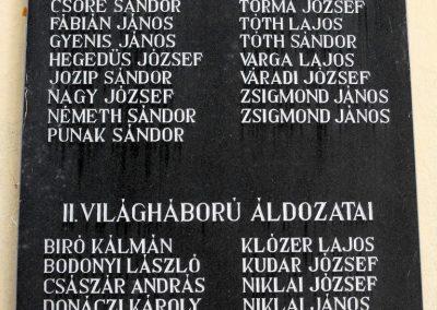 Csányoszró világháborús emléktábla 2012.08.01. küldő-KRySZ (2)