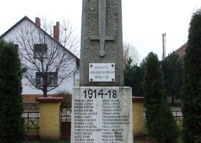 Csávoly I. világháborús emlékmű 2007.12.08. küldő-Markó Péter (5)