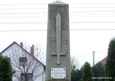 Csávoly I. világháborús emlékmű 2007.12.08. küldő-Markó Péter (7)