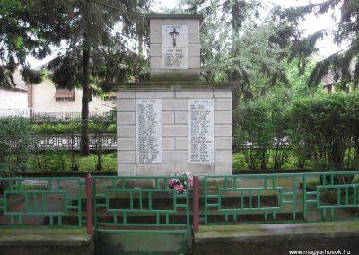 Csécse világháborús emlékmű 2010.05.14 küldő-kalyhas (1)