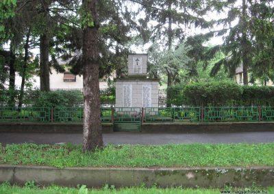 Csécse világháborús emlékmű 2010.05.14 küldő-kalyhas