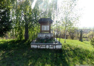 Csíkrákos és Göröcsfalva II. világháborús emlékmű 2018.04.29. küldő-Bóta Sándor (1)