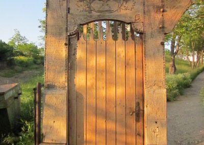 Csíkrákos I. világháborús emlék Székelykapu, a templom bejárata 2014.06.06. küldő-kalyhas (1)