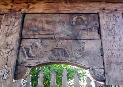 Csíkrákos I. világháborús emlék Székelykapu, a templom bejárata 2014.06.06. küldő-kalyhas (20)