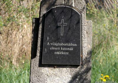 Csíkrákos templomkert világháborús emlék 2018.04.29. küldő-Bóta Sándor (2)