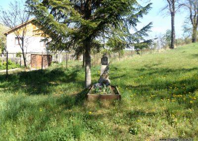 Csíkrákos templomkert világháborús emlék 2018.04.29. küldő-Bóta Sándor (kalyhas)