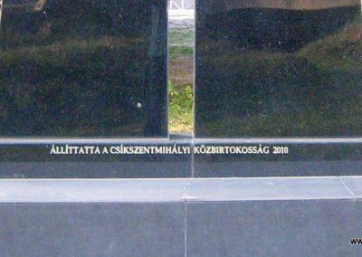 Csíkszentmihály új világháborús emlékmű 2011.09.21. küldő-Mónika39-né (2)