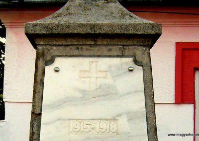 Csíkszentmihály régi I.vh emlékmű 2011.09.21. küldő-Mónika39-né (1)