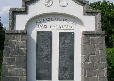 Csíkszentmiklós világháborús emlékmű 2009.08.03. küldő-Tamás2 (1)