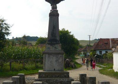Csókfalva világháborús emlékmű 2009.08.23.küldő-Ágca (1)