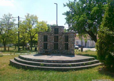 Csór II.vh emlékmű 2011.05.24. küldő-Csiszár Lehel