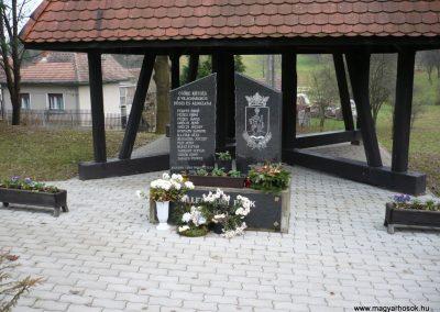 Csöde II.vh emlékmű 2009.11.26. küldő-Sümec (1)