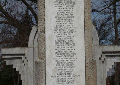 Csököly világháborús emlékmű 2009.03.23.küldő-Sümec (3)