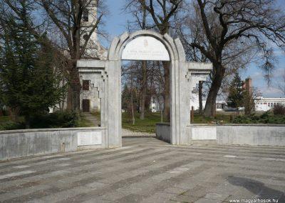 Csököly világháborús emlékmű 2009.03.23.küldő-Sümec (4)
