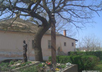 Csökmő világháborús emlékmű 2008.04.14. küldő-egy magyar anya