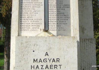 Csömör Hősi emlékmű 2008.04.23. küldő Huszár Peti (7)