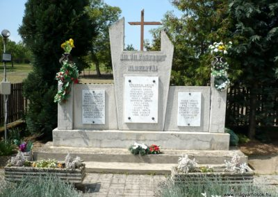 Csömend világháborús emlékmű 2011.05-03. küldő-Sümec (1)