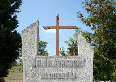 Csömend világháborús emlékmű 2011.05-03. küldő-Sümec (2)