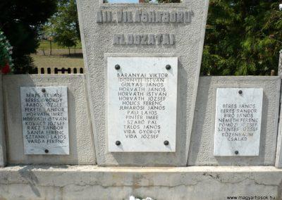 Csömend világháborús emlékmű 2011.05-03. küldő-Sümec (3)