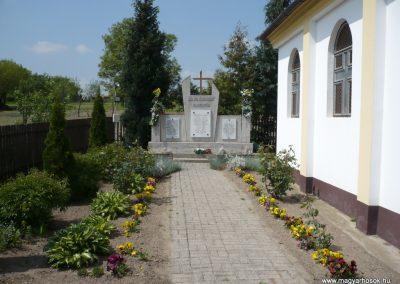 Csömend világháborús emlékmű 2011.05-03. küldő-Sümec
