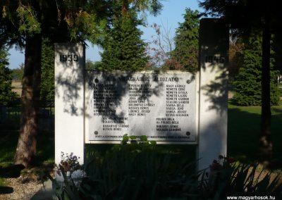 Csönge II.vh emlékmű 2009. 09.25. küldő-Sümec (1)