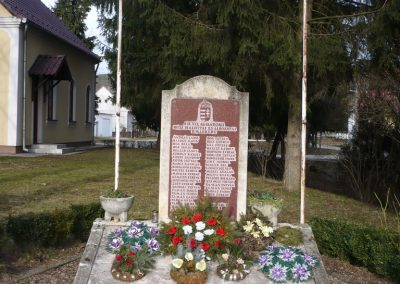 Csörnyeföld II.vh emlékmű 2009.0213.küldő-Sümec