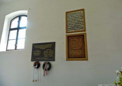 Csúz, református templom belseje