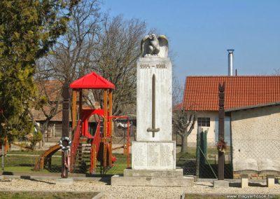 Csősz I. világháborús emlékmű 2015.03.07. küldő-Méri (4)