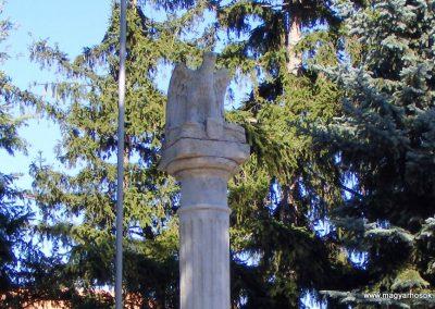 Csabdi világháborús emlékmű 2012.09.10. küldő-Méri (1)