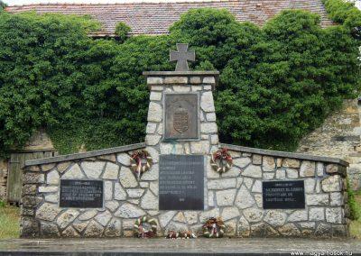 Csabrendek világháborús emlékmű 2015.07.27. küldő-Méri (1)