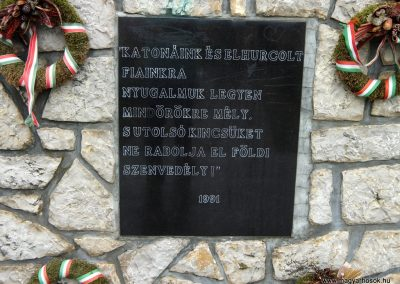 Csabrendek világháborús emlékmű 2015.07.27. küldő-Méri (5)