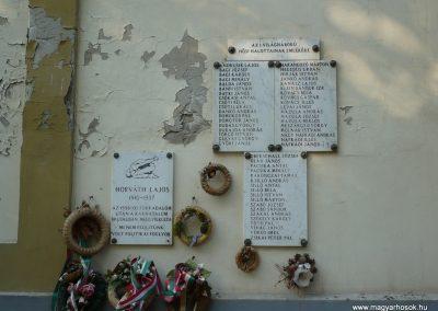 Csanádapáca Hősök emléktáblái a templom falán 2009.10.03. küldő-Sümec (1)