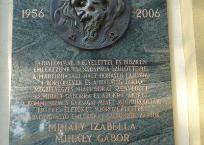 Csanádapáca Hősök emléktáblái a templom falán 2009.10.03. küldő-Sümec (3)
