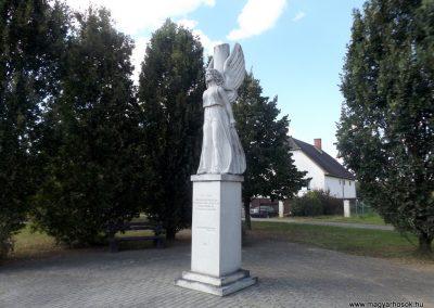 Csaroda hősi emlékmű 2016.09.27. küldő-kalyhas (4)
