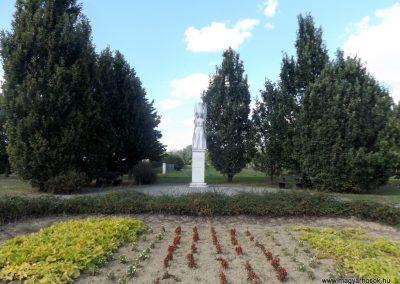 Csaroda hősi emlékmű 2016.09.27. küldő-kalyhas