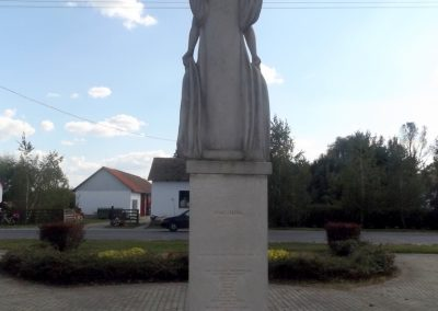 Csaroda hősi emlékmű 2016.09.27. küldő-kalyhas (5)